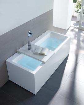 Bathtube by Duravit #bathroom #bath #tub #modern #white #Duravit #home #decor