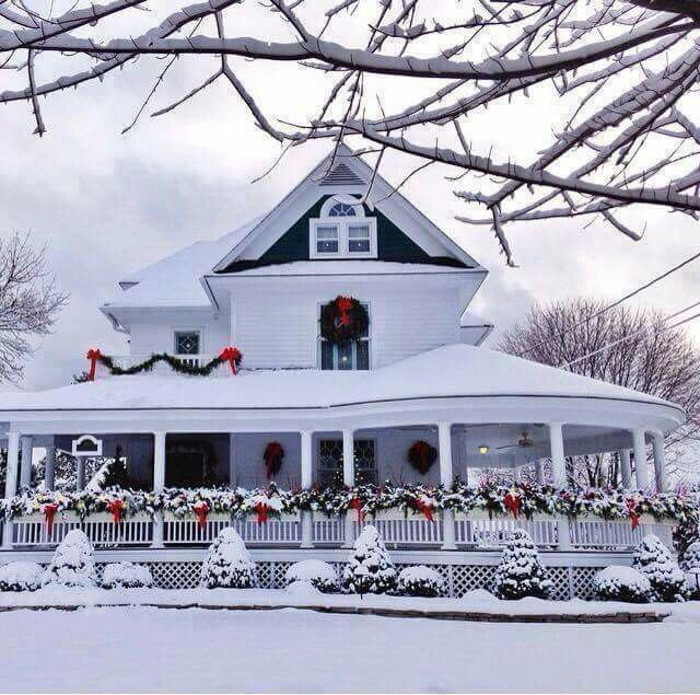 15 Awe Inspiring Outdoor Christmas Houses With Decorations Farmhouse Christmas Outdoor Christmas Christmas Porch