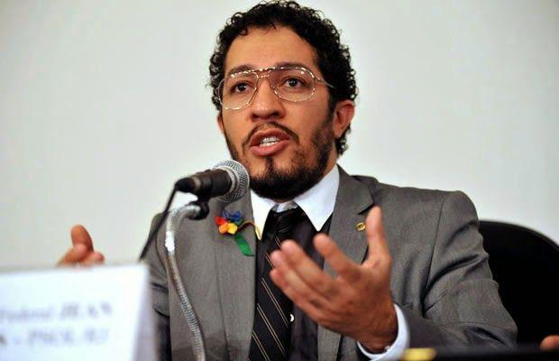 Eder Mauro, que é delegado de polícia e deputado federal, pediu a palavra para…