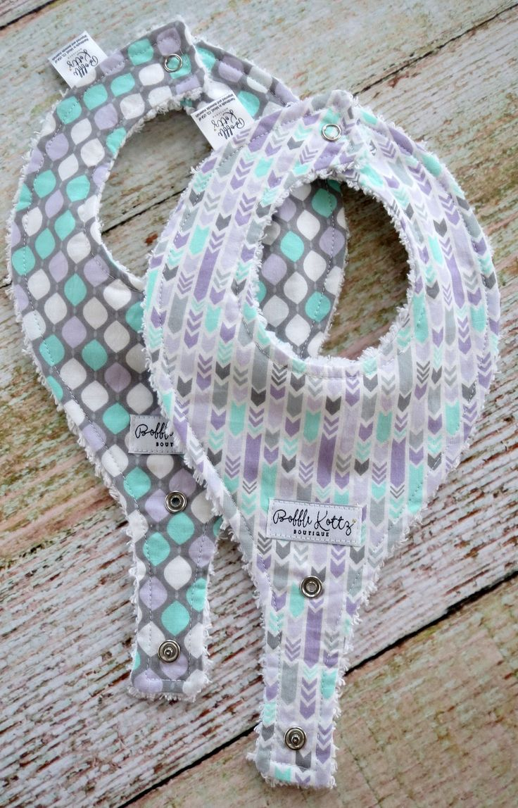 Such a cute baby girl bib set for all the little baby girls out there. This super trendy arrow bib set would make a great complimentary gift to any purple and mint baby girl nursery. This binky bib se
