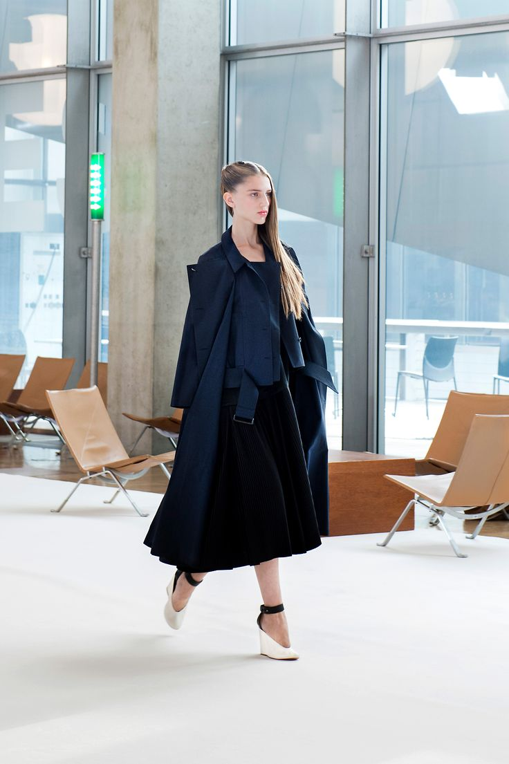 1. Dress-coat and field shirt in checked cotton, pleated dress in cotton poplin and cotton-linen, wedge sandals in leather