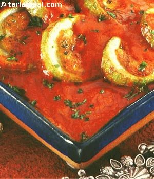Bharwa Lauki ( Rajasthani Recipe) recipe | by Tarla Dalal | Tarladalal.com | #3867- (bottle gourd, doodhi)