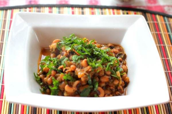 Simple Slow Cooked Black Eyed Beans