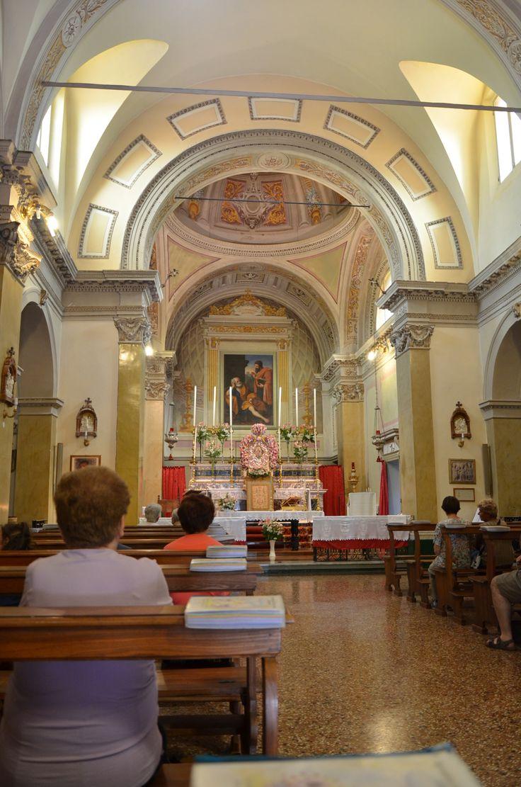 Interno Attuale Della Chiesa Abbaziale Antica Abbazia Di