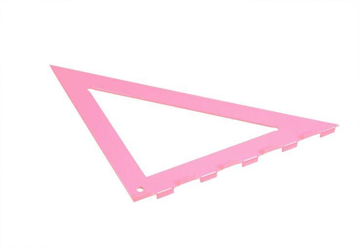 Vous avez enregistré sur Accessoires - L'Éclat de Verre Vous avez vu nos nouveaux outils roses ? L'Éclat de Verre Encadreur vous propose de redécouvrir vos outils préférés avec une nouvelle couleur dans l'un de nos 31 magasins et sur shop.eclatdeverre.com #eclatdeverre #equerregenius #rose #outils #outilsroses