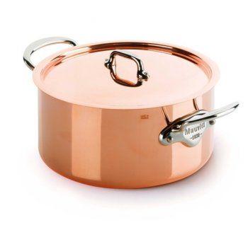 Mauviel 1830. Provází je renomé nejlepšího nádobí na světě. Profesionálové i zapálení amatérští kuchaři oceňují jeho špičkovou kvalitu, bezchybné řemeslné zpracování, skvělý design a především radost z vaření, kterou Mauviel do kuchyně přináší. Výroba, která je i dnes v mnoha krocích prováděna ručně a v neposlední řadě i skvělý design, stojí za výsadním postavením značky, která je ikonou francouzského nadšení pro vše, co souvisí se skvělým jídlem.