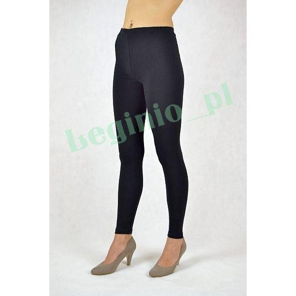 Gładkie, wysokogatunkowe legginsy bawełniane. Doskonale nadają się dla każdej kobiety, która ceni sobie wygodę i komfort noszenia. Ten fason legginsów jest bardzo przyjazny dla skóry, gdyż wysoka zawartość bawełny pozwala skórze swobodnie oddychać.