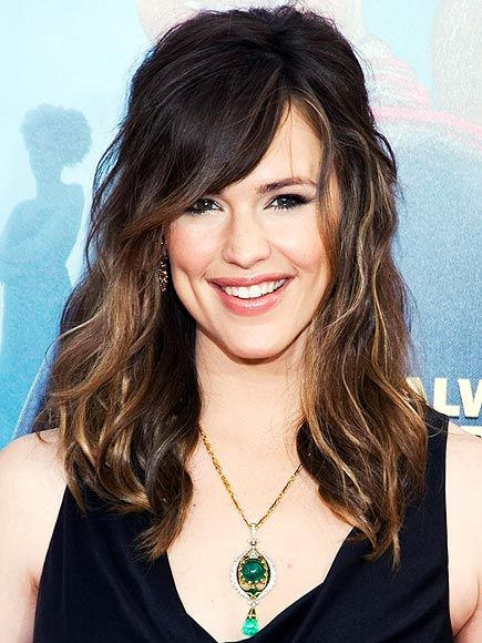 More hair.  This one is wavy like mine so I can get a better idea.  But we don't have the same face shape.: Hair Colors, Dark Hair, Black Hair, Lights Brown Hair, Lights Brown Highlights, Blondes Highlights, Jennifer Garner, Hair Style, Wigs