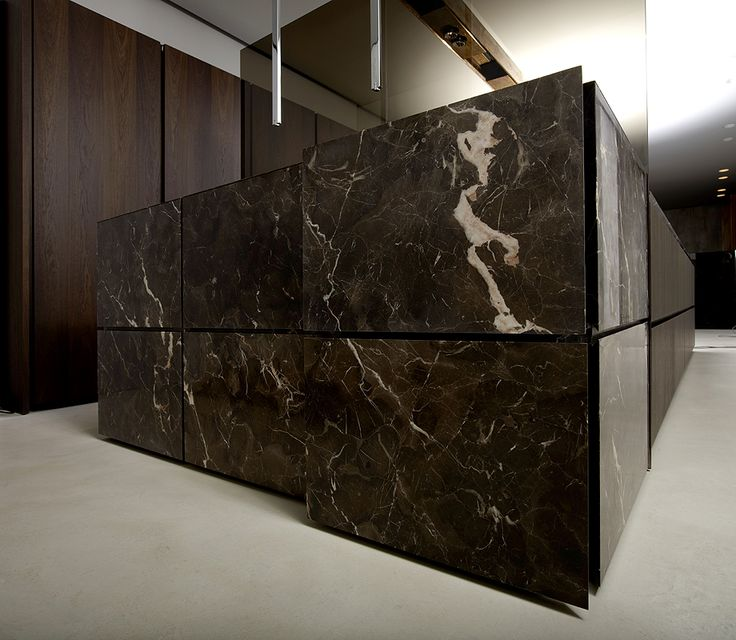Beautiful natural stone Minotti kitchen. Exquisite. #marble..awesome, you can close off or open up the kitchen...my style :D