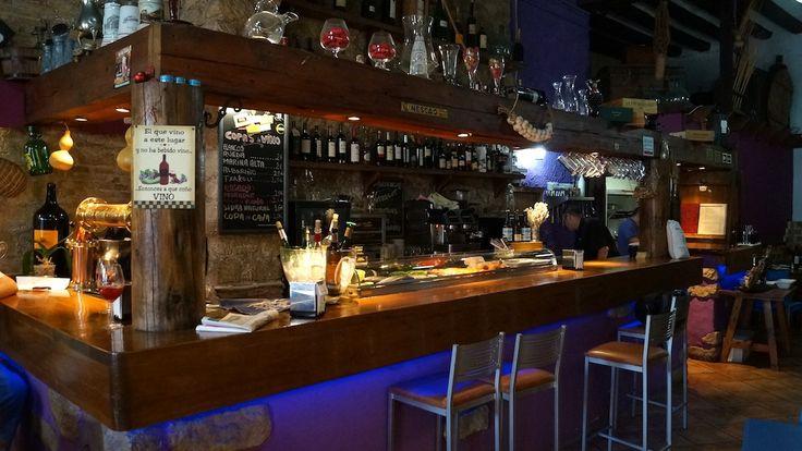 Especialistas en carnes rojas y productos del país Vasco. Cervecería restaurante ubicado en el centro de Alicante.