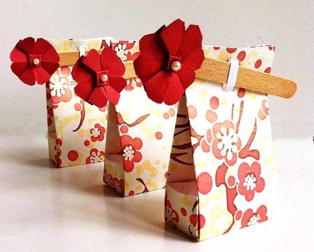 Ballotin à dragées Origami Fleurs de Cerisier : Emballages cadeaux par claudia-chocolats