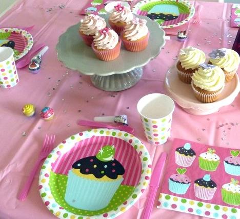 cupcake bursdag!  Komplett tema fra www.bursdagiboks.no