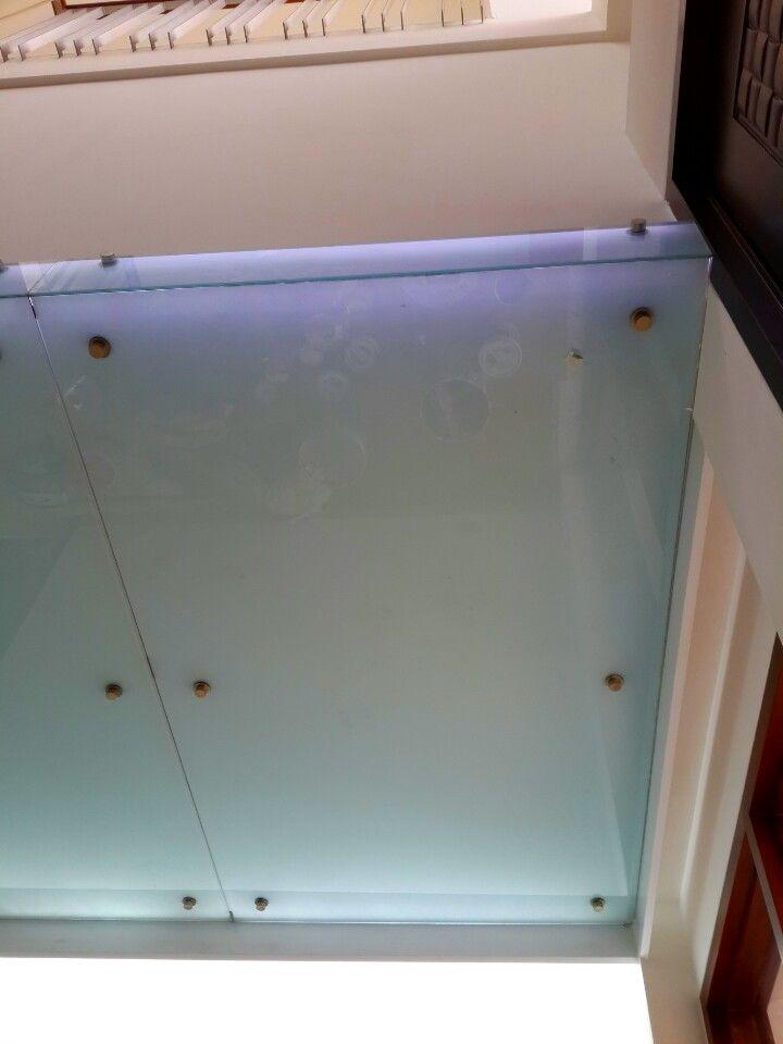 glass ceiling in cibubur house by kusno utomo