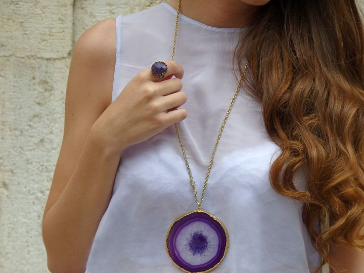 Agata slice for a boho chic look.