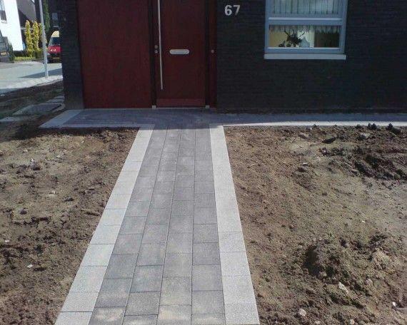 Aanleg pad naar voordeur door Tomasoabestratingen. http://tomasoabestratingen.nl/aanleg