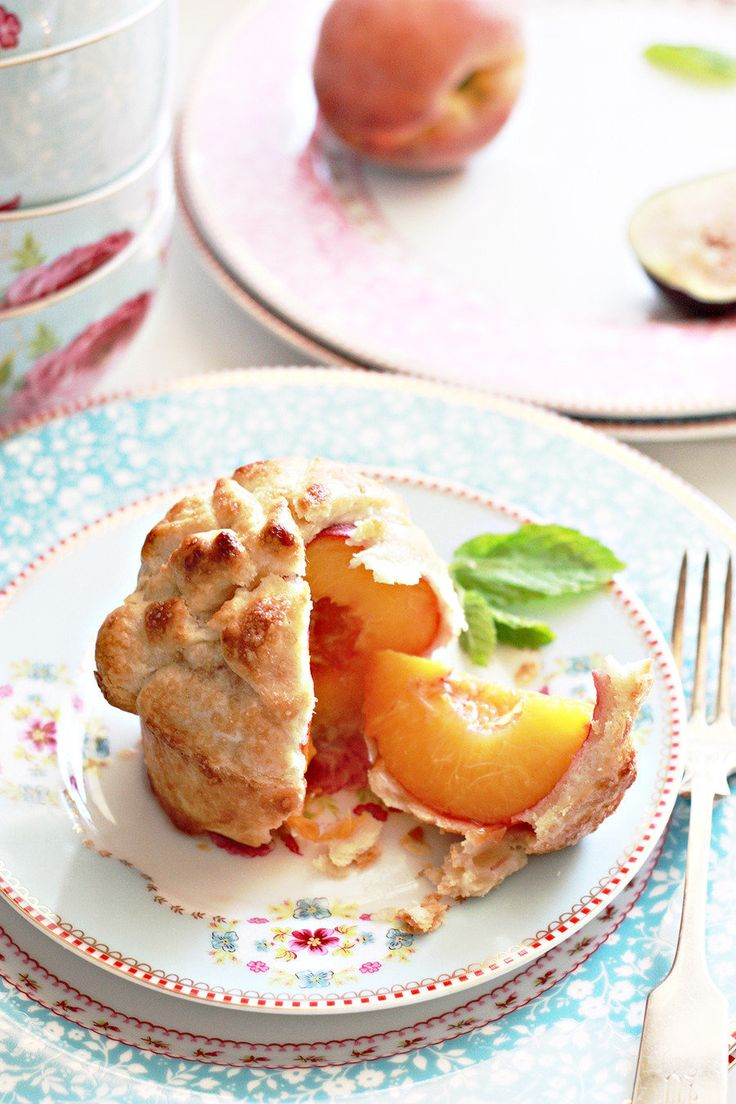 Peach pie for summer wedding | itakeyou.co.uk