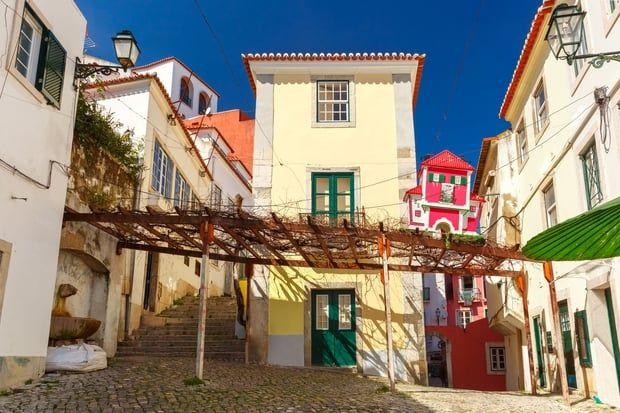 Désignée meilleure destination de city break du monde lors des World Travel Awards 2017, Lisbonne regorge de monuments et d'activités gratuites. De la futuriste gare de l'Orient au musée Berardo, cap vers 20lieux à visiter sans dépenser un centime.