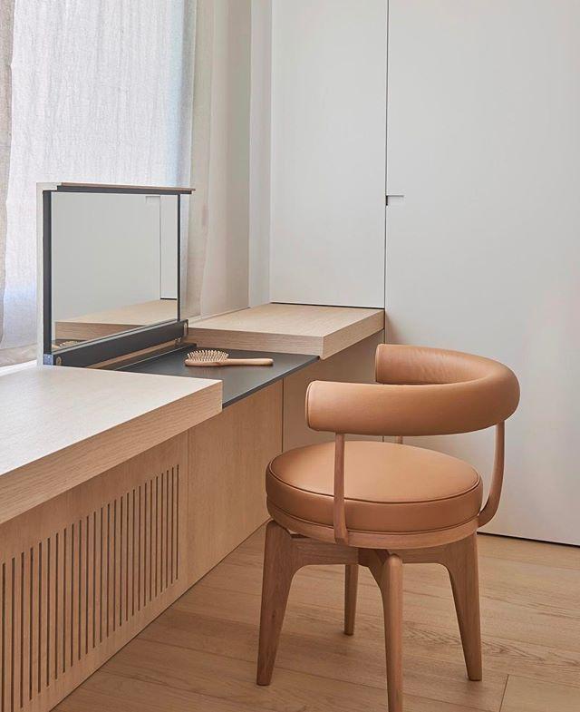 Amazing dressing table idea!