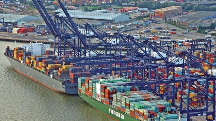 Le prestigieux titre d'être le plus grand port maritime ou le plus achalandé au monde a toujours été contestée entre de nombreux ports au cours des années en raison de la lourde tâche de travailler...