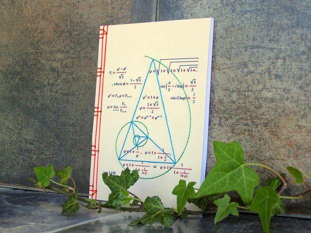 Fabulous Cat Papers, cuadernos bordados a mano. Dibujo técnico.