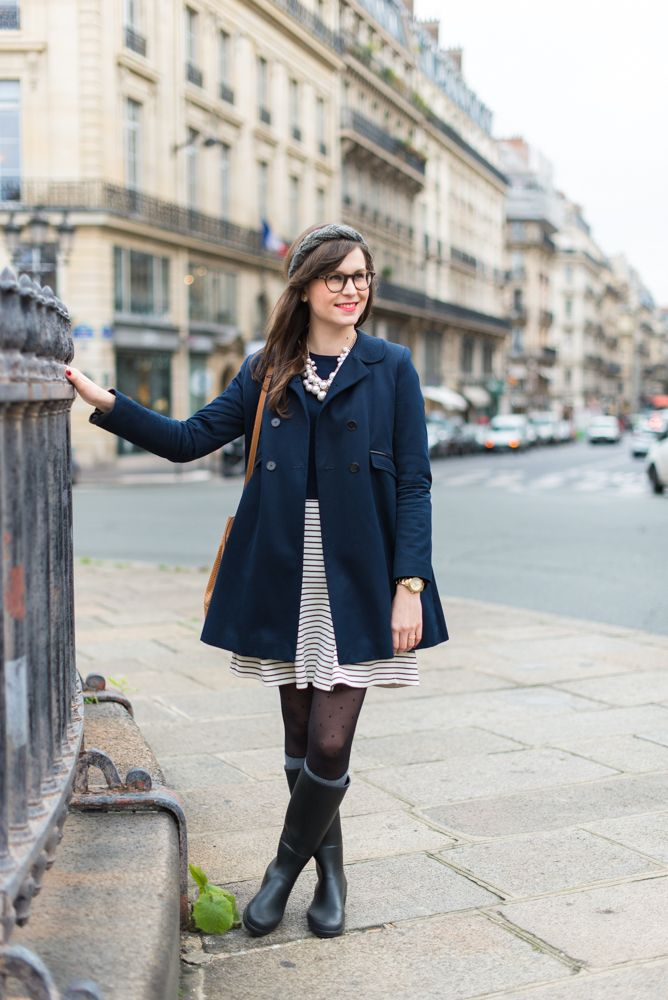 Rainy Day in Paris : navy, stripes and rainboots