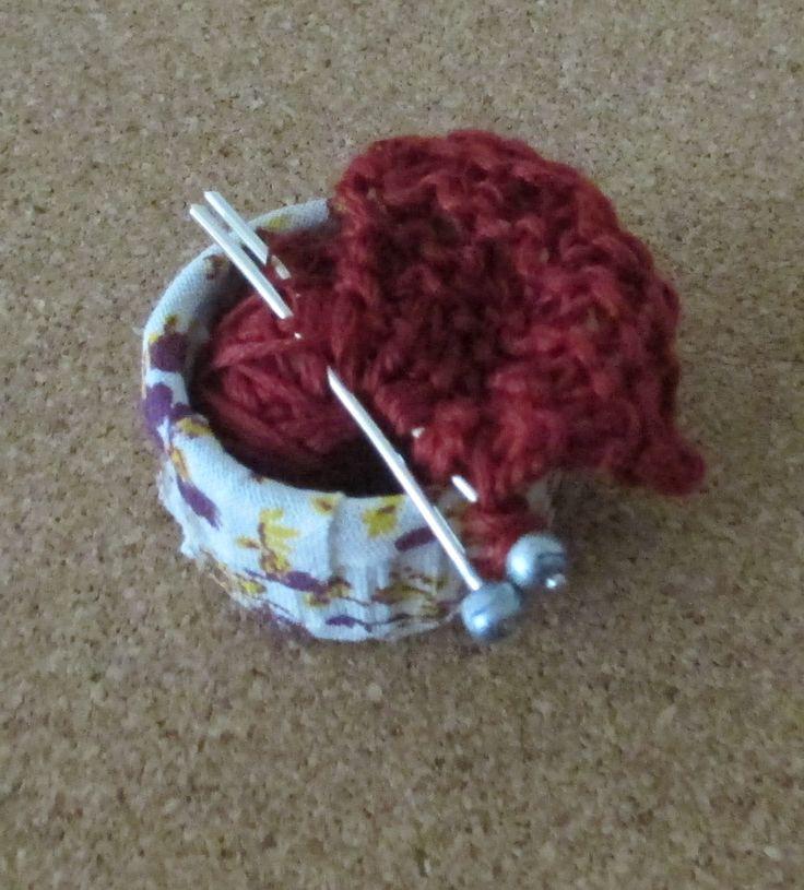 Miss Marple - knitting