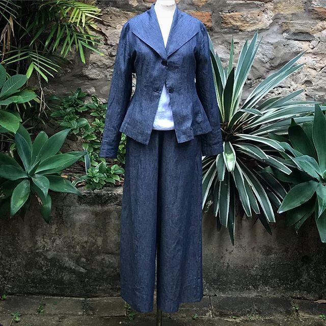 Now online and in store @jiva_clothing ... funky Angelina jackets in denim linen and vintage wash linen ...$229... #80sfeel #linen #jacket #locallymade #denim #duskypink #navy #black #floral #bestoftheday #madeinaustralia