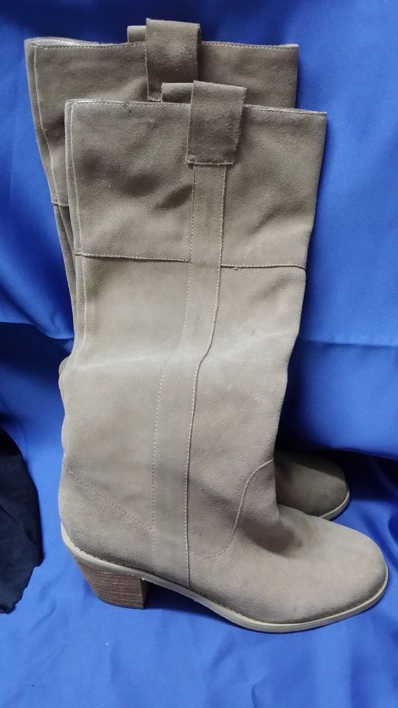 LEATHER BOOTS CAMEL COLOUR SIZE 39 **CHARITY AUCTION**