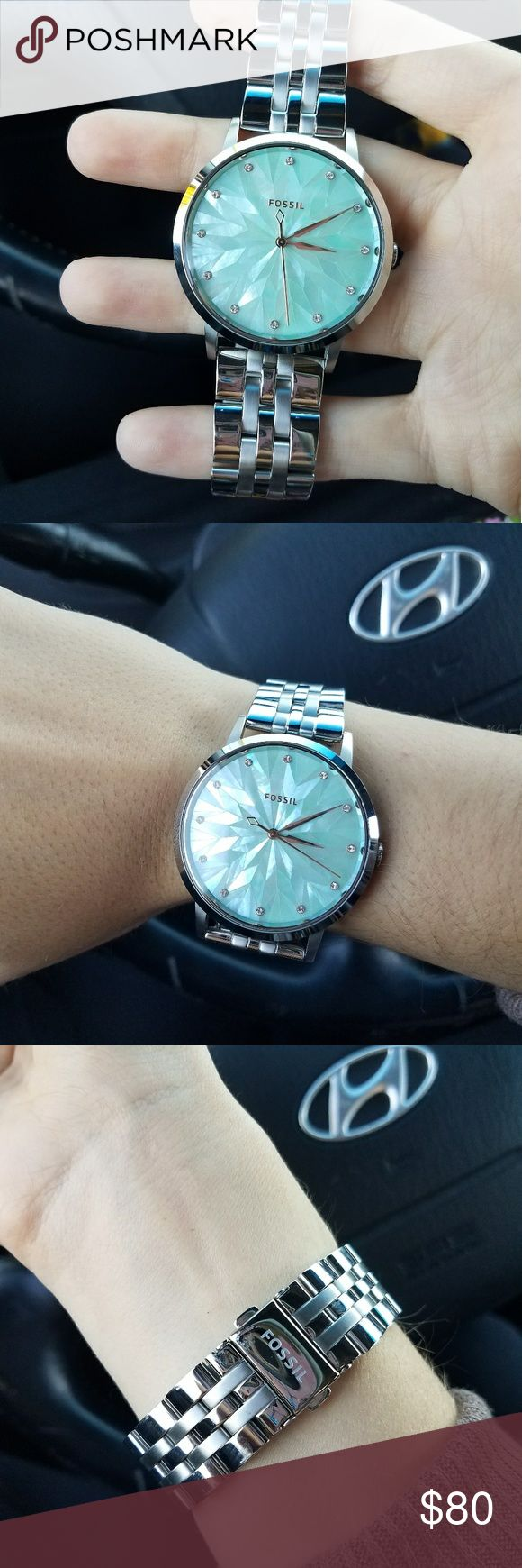 Women's fossil watch Great condition womens fossil watch. Only worn a few times. Had 4 links taken out but will include them so you can add them back in If you need them. Price negotiable. Fossil Accessories Watches
