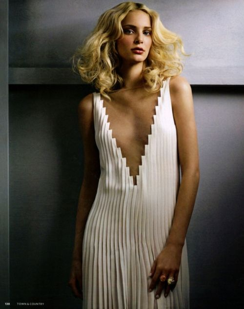 .....: Modern Wedding Dresses, Pleated Inspiration, White Texture, Sophisticated Style, Pleated Dresses, Gorgeous Dresses, Art Deco, Little White Dresses, Stunning Dresses
