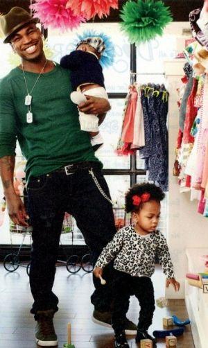 Ne-Yo and his 2 children