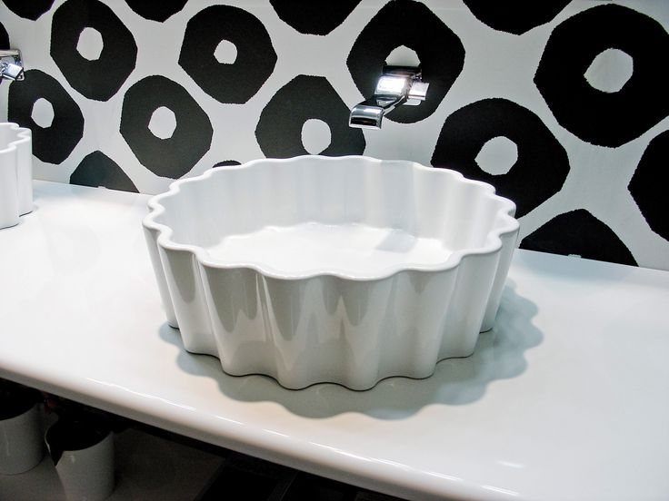 Flaminia Doppio Zero basin on Make Up bench