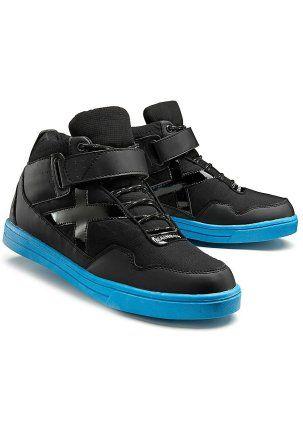Кроссовки - http://www.quelle.ru/New_arrivals/Men_fashion/Men_shoes/Men_shoes_sport/Krossovki__r1299264_m296655.html?anid=pinterest&utm_source=pinterest_board&utm_medium=smm_jami&utm_campaign=board3&utm_term=pin30_28032014 Осторожно! Очень модная модель! Кроссовки с контрастной подошвой, которая не скользит! #quelle #man #fashion #shoes #sneackers #casual #comfort