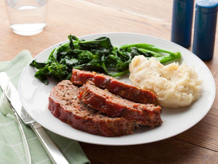 Meat loaf ou Klops : cf comment donner une jolie apparence au pain de viande! N.B. Le faire cuire dans un moule à cake pour une meilleure tenue.