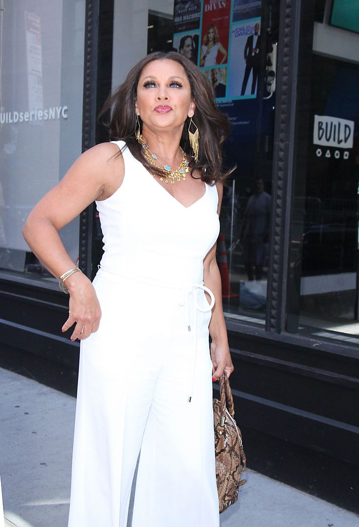 #NYC Vanessa Williams - Cast of VH1 New Daytime Series Divas Visit Build Series in NYC 05/31/2017 | Celebrity Uncensored! Read more: http://celxxx.com/2017/06/vanessa-williams-cast-of-vh1-new-daytime-series-divas-visit-build-series-in-nyc-05312017/