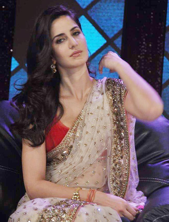 Katrina Kaif looking smoking hot in saree. #Bollywood #Fashion
