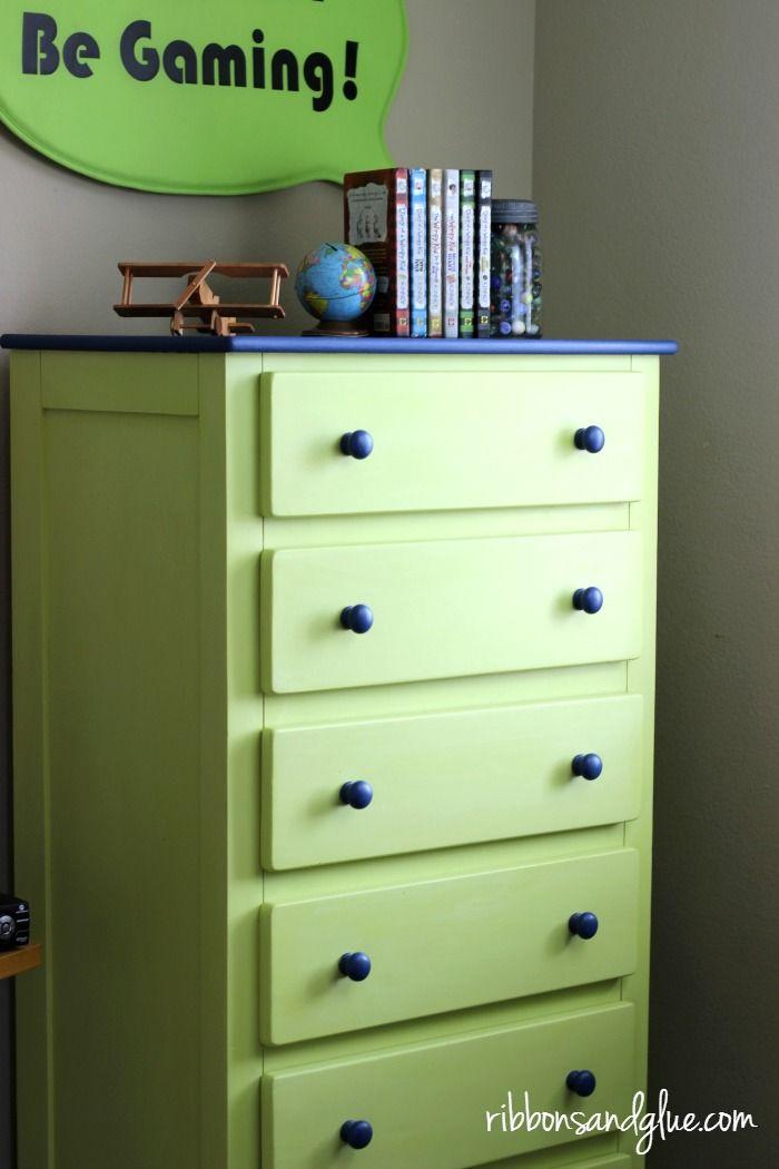 best 25 dresser makeovers ideas on pinterest old. Black Bedroom Furniture Sets. Home Design Ideas