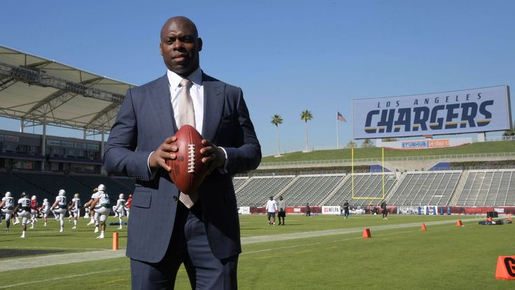 Comfy confines of StubHub Center offer test run for Chargers, NFL