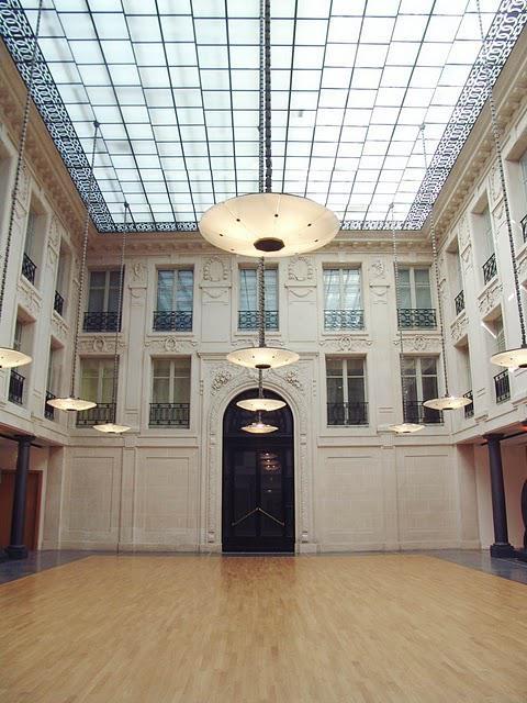 Salle de r ception atypique et exceptionnelle paris 1er for Surfaces atypiques paris