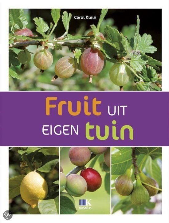 Er gaat niets boven versgeplukte aardbeien, frambozen en sappige appels. Met haar bekende energie en enthousiasme geeft Carol Klein al het noodzakelijke groenadvies om met de meest favoriete fruitsoorten aan de slag te gaan, maar daarnaast passeren ook minder voor de hand liggende soorten, zoals citroenen, vijgen, moerbeien en cranberry's, de revue. Het is een onmisbaar naslagwerk in de boekenkast van iedere tuinier. #tuinen # tuinieren #tuinboek #boekentip #fruit