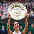 Muguruza sagrou-se campeã de Wimbledon (Foto: AFP)  Garbiñe Muguruza se tornou a segunda espanhola a vencer o torneio mais tradicional do tênis mundial. No último final de semana, Muguruza venceu a experiente Venus Williams na grande decisão de Wimbledon e sagrou-se vencedora no gramado inglês.   A jovem de 23 anos levantou seu segundo título de Grand Slam – em 2016, Muguruza venceu Roland Garros. Em 2015, com apenas 21 anos, a espanhola havia caído na grande final de Wimbledon para Serena…