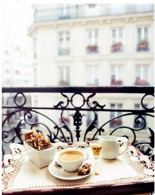 breakfast on the terrace in Paris