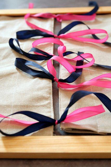 Cadre d'habillage Montessori, lacets à nouer  by senjo, via Flickr