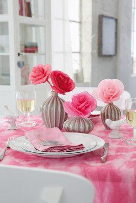 f r die ewigkeit rosen aus seidenpapier sie sind selbstgemacht und halten viel l nger als. Black Bedroom Furniture Sets. Home Design Ideas