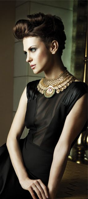 Bold collar statement necklace // Indian Jewellery