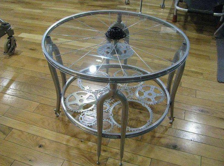 Recycled bicycle parts coffee table upcycle recycle for Bicycle wheel table