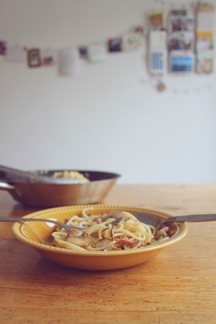 Herfstige spaghetti met champignon, raapjes, gerookte ham en parmegiano