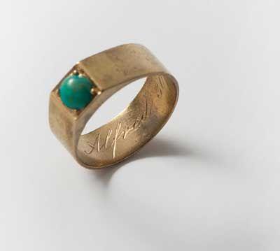 Orafo inglese, anello, oro, Inghilterra, 1869 / English goldsmith, ring, gold, England, 1869 Gorizia, Palazzo Coronini Cronberg inv. 7401