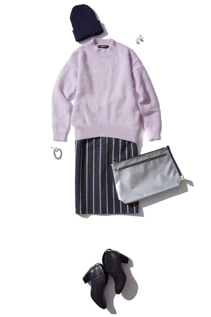 ピンストライプのタイトスカート×ベビーピンクのニットでちょっぴり甘めなシンプルカジュアルスタイル。 http://bistroflowers.com/products/detail_1759_181_0.html