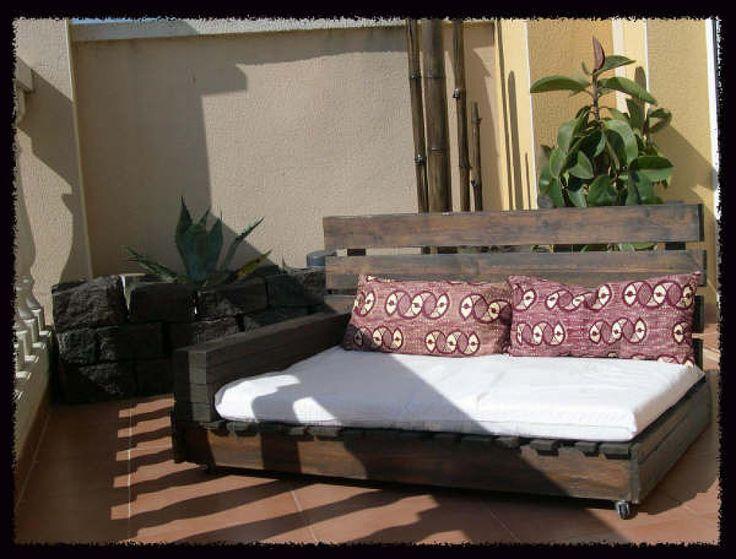 sillón y tumbona con palés   Decorar tu casa es facilisimo.com